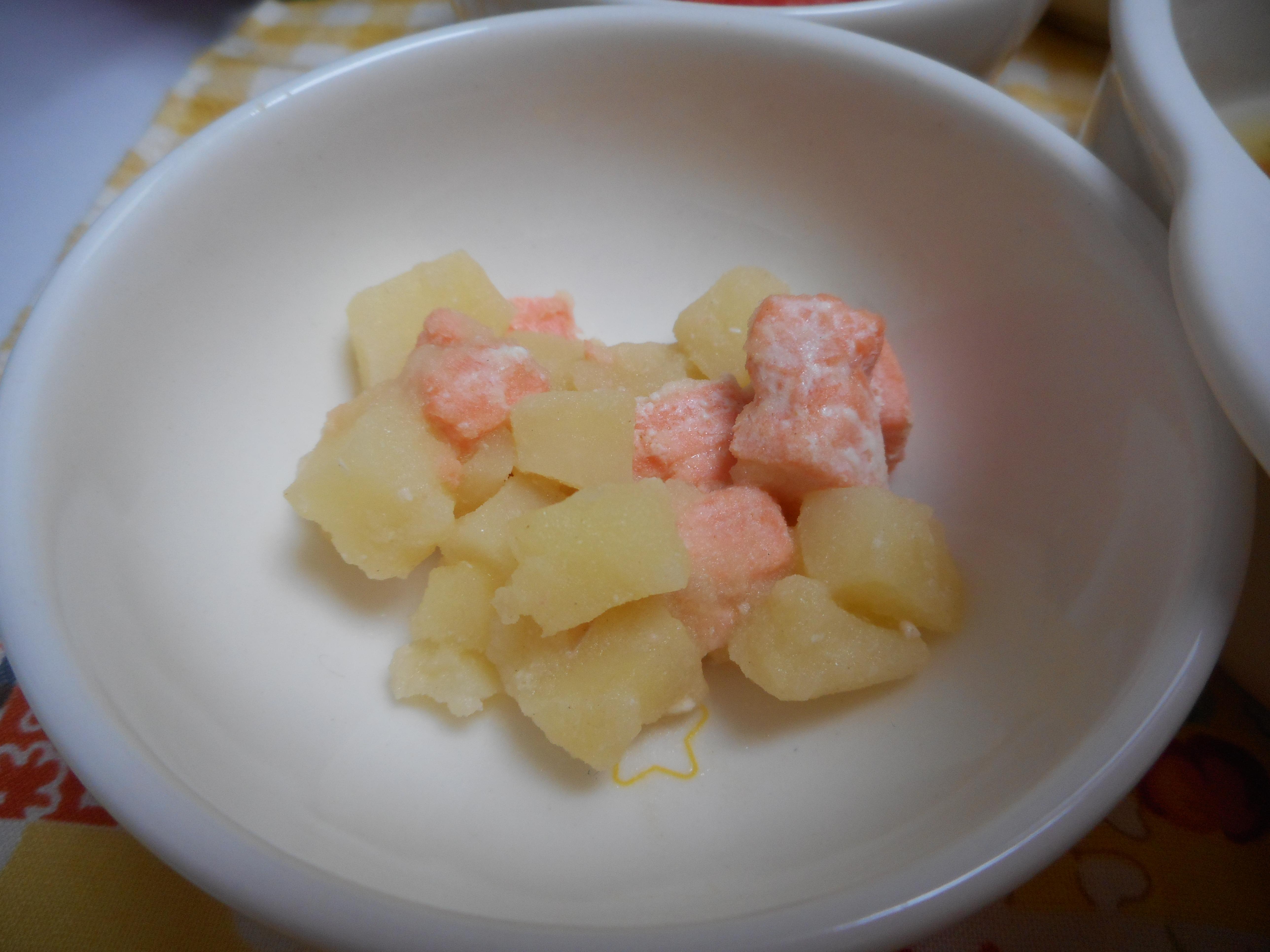 鮭とじゃがいもの煮物