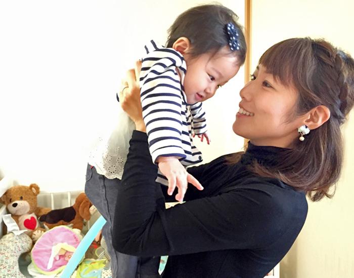 「【授乳服タートルネック】母乳育児にお悩みのママ必見!手持ちの服でなんとかやってきた人も欲しくなる授乳服」のアイキャッチ画像