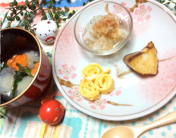 「【離乳食を楽しもう!】今年のお正月は赤ちゃんも一緒に!おせち離乳食」のアイキャッチ画像