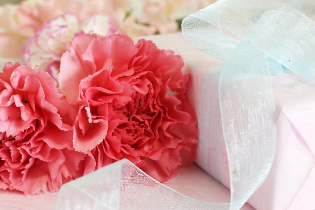 「妊婦さんが本当に喜ぶプレゼント|人気マタニティギフト10選|mamae(ママエ)」のアイキャッチ画像