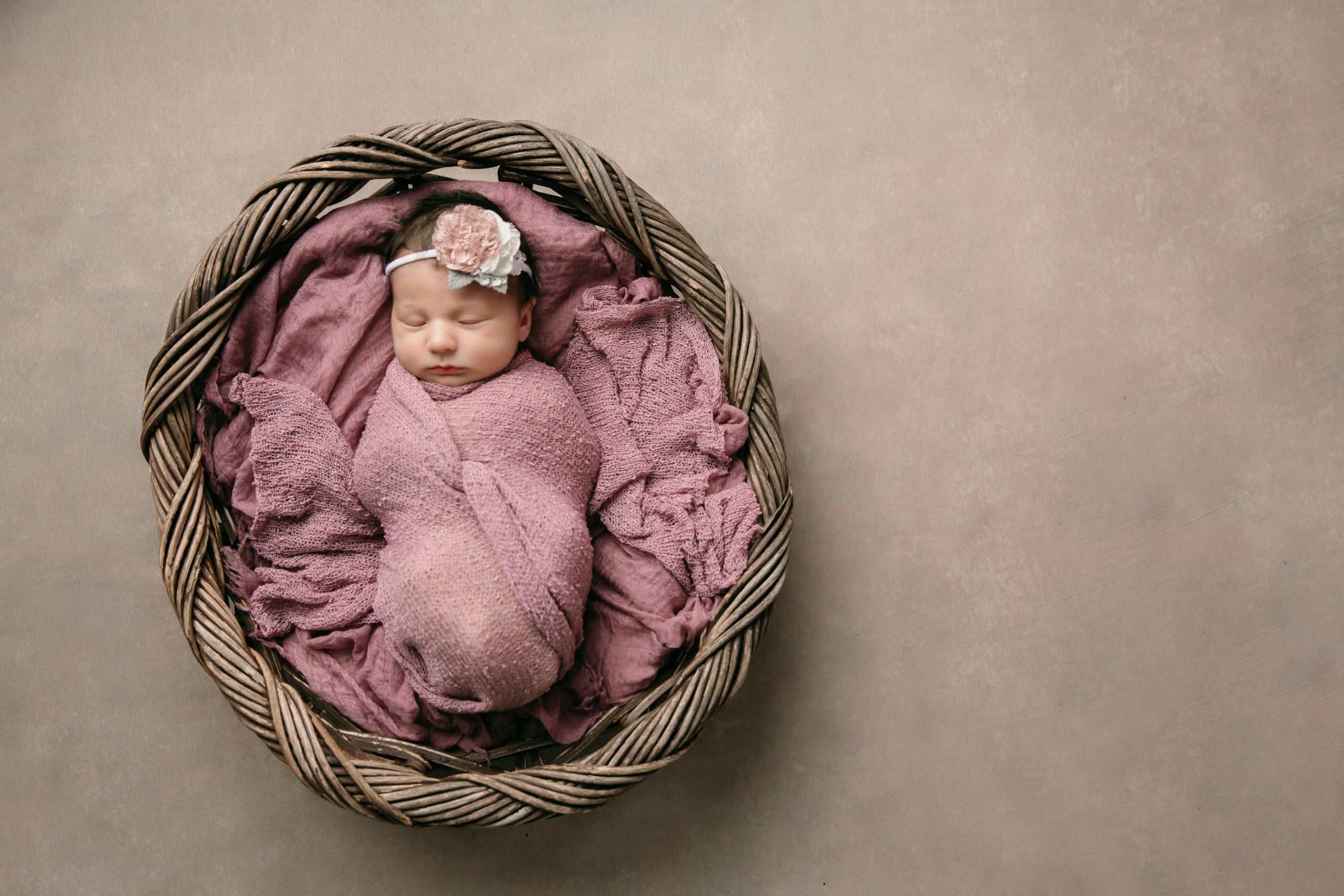 「冬の新生児向けおくるみの選び方!おくるみを使いこなそう」のアイキャッチ画像